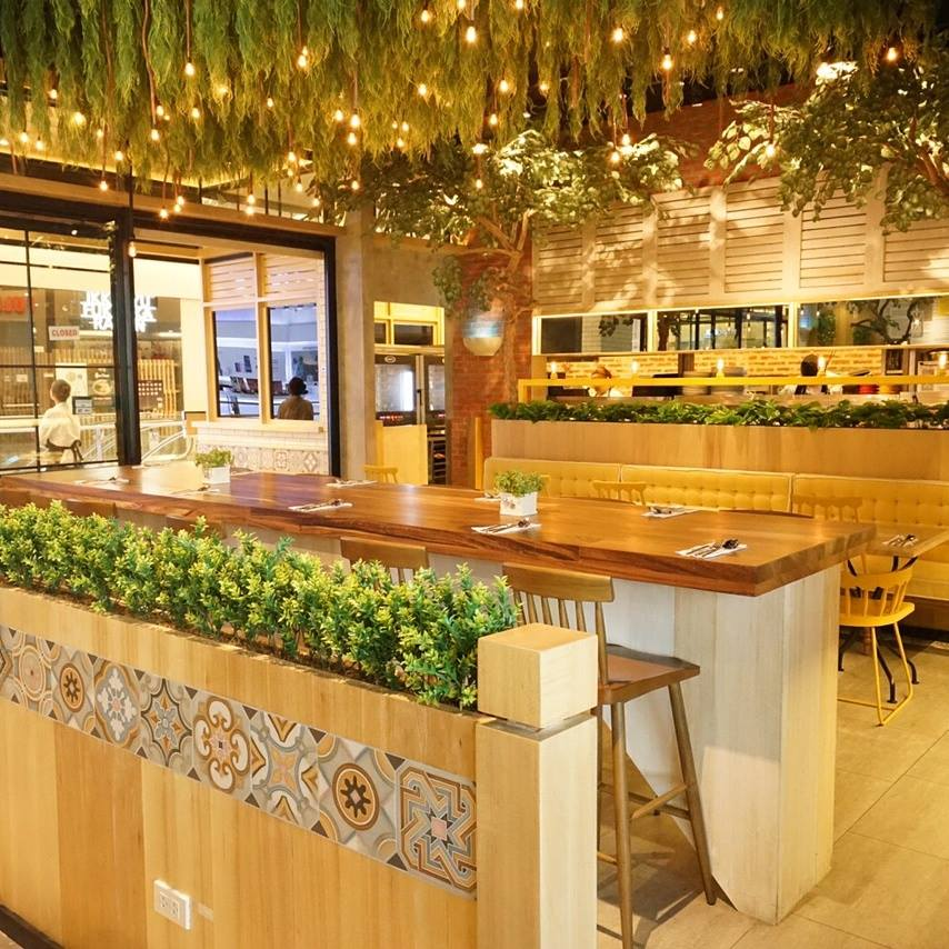 Must try le petit souffle in makati booky for Craft restaurant century city